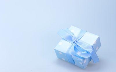 Prezent niespodzianka czyli co podarować dziewczynie w okazji Dnia Kobiet