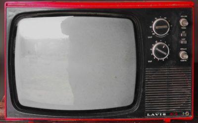 Wspólny odsapnięcie przed tv, lub niedzielne serialowe popołudnie, umila nam czas wolny ,a także pozwala się zrelaksować.